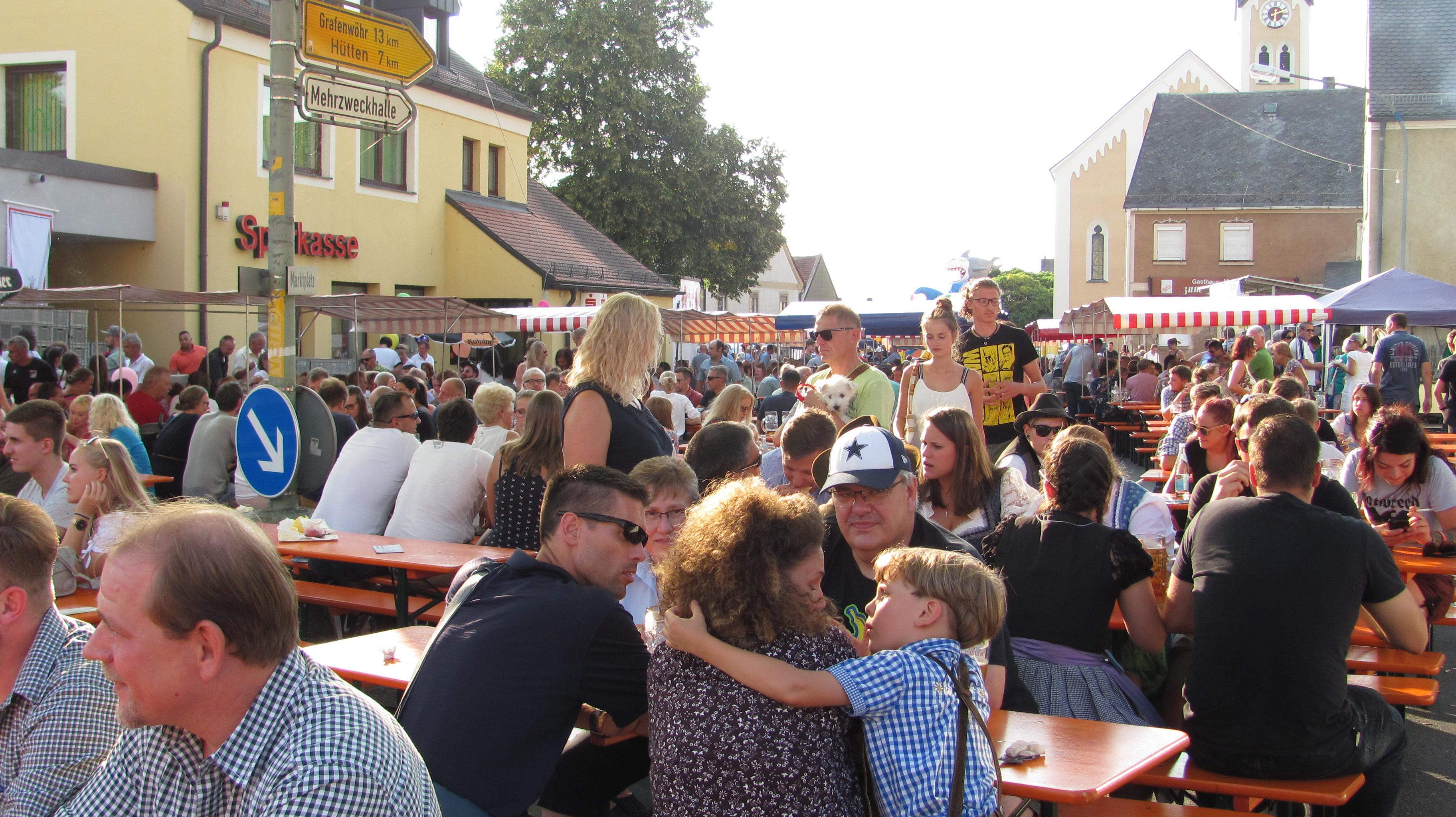 Bürgerfest Mantel legt wieder super Start hin
