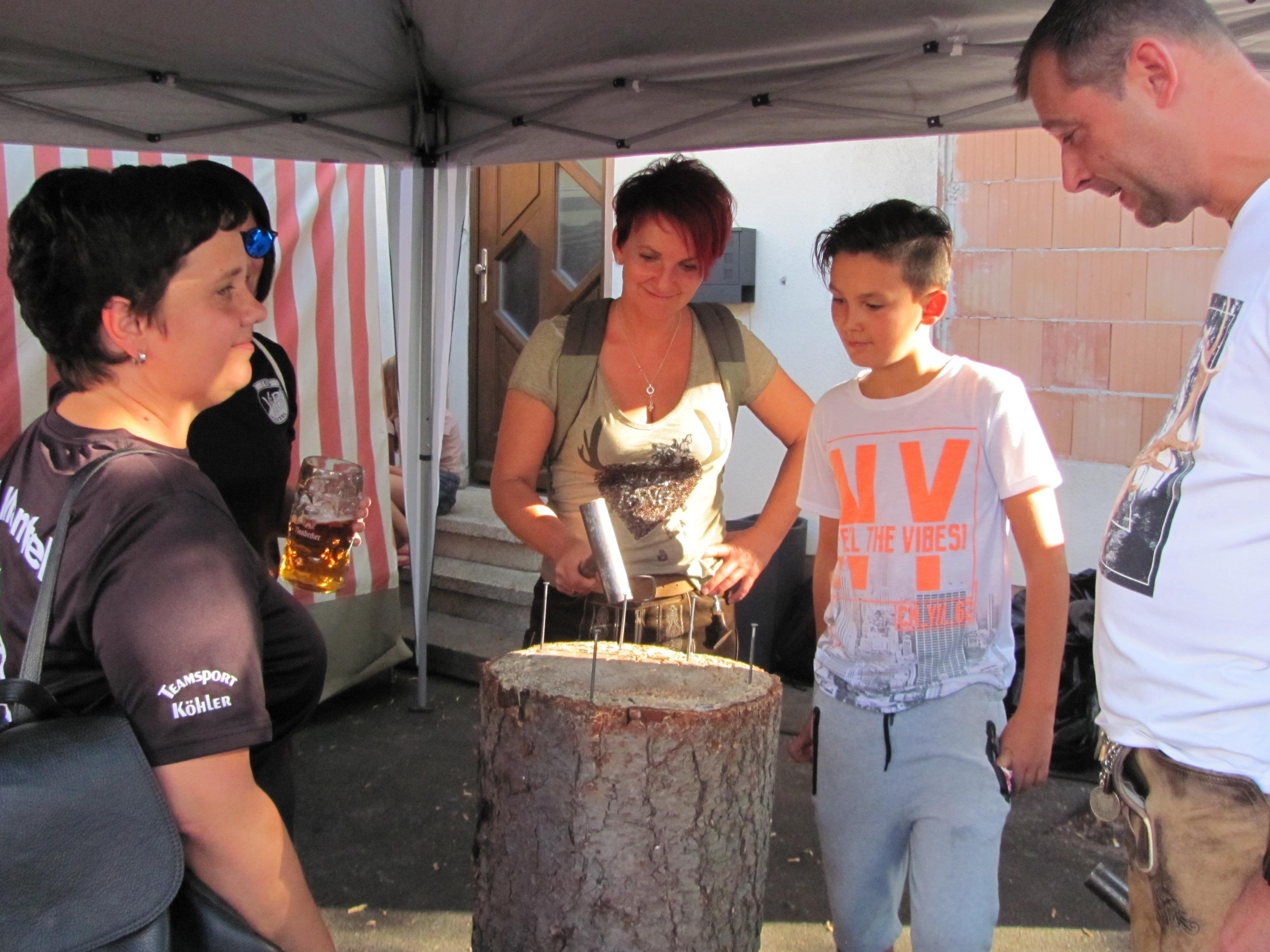 Sonniger Start für Manteler Bürgerfest