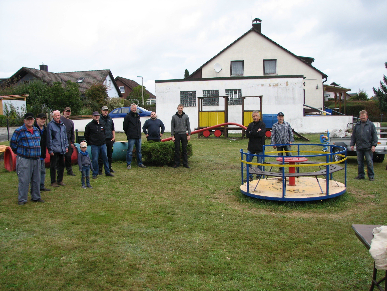 Siedlerbund bringt Kinderspielplatz auf Vordermann